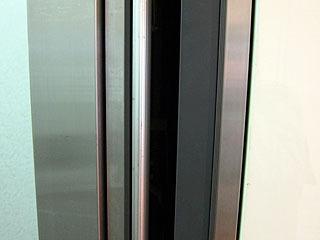 メーカー不明、ドアスイッチは両側