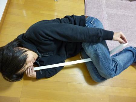 抱いたイメージで抱き枕のサイズを測る