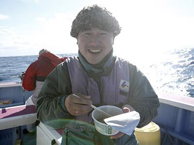 食べてみると、同行していた岡田くんも「けっこう食えちゃうね!」と納得の味。