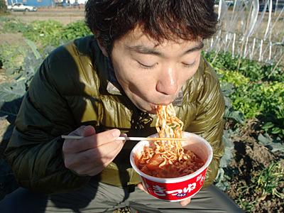 待つ時間を測らなかったら、食べてみるとまだ固く、期せずしてアルデンテでイタリアーン。