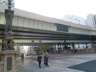 日本橋を通過。