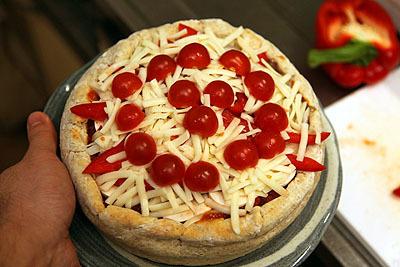半分に切ったプチトマトを並べたら、ナウシカに出てくる王蟲(ご立腹版)っぽい。