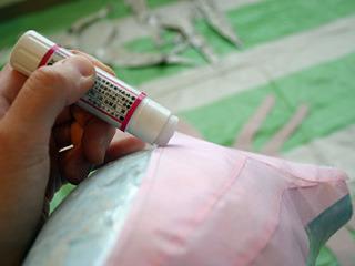 糊は塗りやすさから固形スティック糊を使用。しかし後からはがれてくるのでヤマト糊でよかったかも。