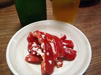 以前の記事の時に作った赤ピーマンの塩麹漬け。パプリカを漬けても美味しい。