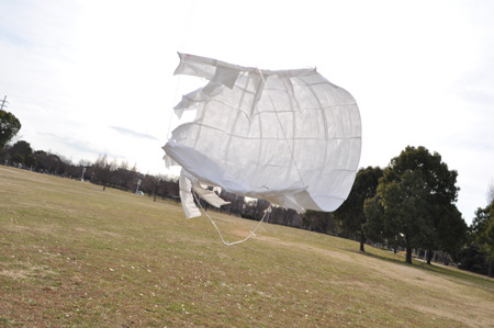 凧を目指してイカみたいなものが出来た。