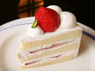 こちらがノーマルショートケーキ(577円)