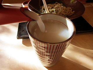 どろりとした濃厚すぎるそば湯。