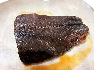 煮込み3日目。火曜日の朝。骨はホロホロでそのまま食べられます。