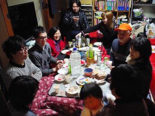 昭和の大家族みたいな審査員の方々。