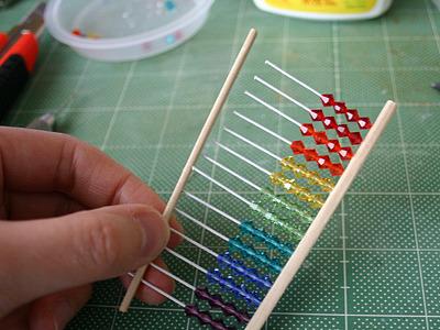 十数本の串に一度に板を嵌め込むのが、地味にとてもとても大変でした。
