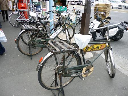 プロ仕様の自転車が雰囲気を盛り上げる