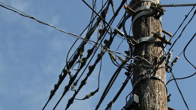 そんなに多かったっけ、木の電柱