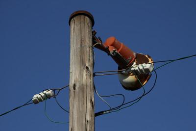 これも個人の電灯柱っぽい