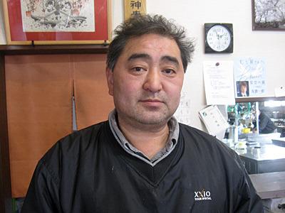 むら熊の店主は、なんとなく九州っぽい顔立ち。お客さんで、店主は長崎出身だと思っている人がいると思う。