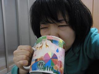 ブラックコーヒーは好きだけど、これはちょっと体に悪そう。