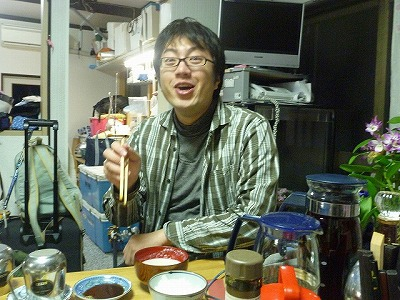 「あ、これすごくおいしいですねぇっ!」と同行の西村さん。なんていい表情をする人だろう。