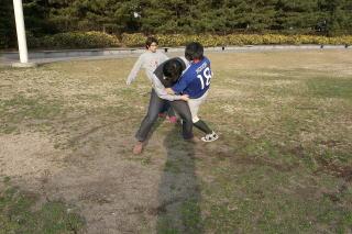 と思ったら安藤キーパーの思い切りのいい飛び出しでボールをとられる