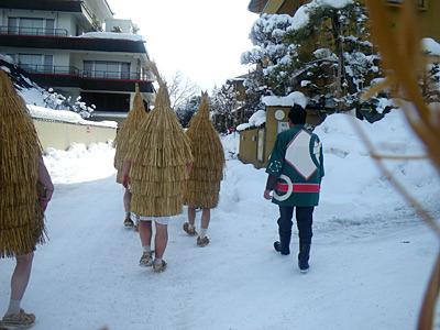 人のいない場所を歩く時が一番寒く感じるカセ鳥達。ちょっとした遭難気分。