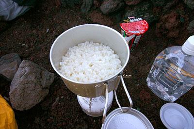 こんなにおいしそうに炊けている。松本さんの記事より。
