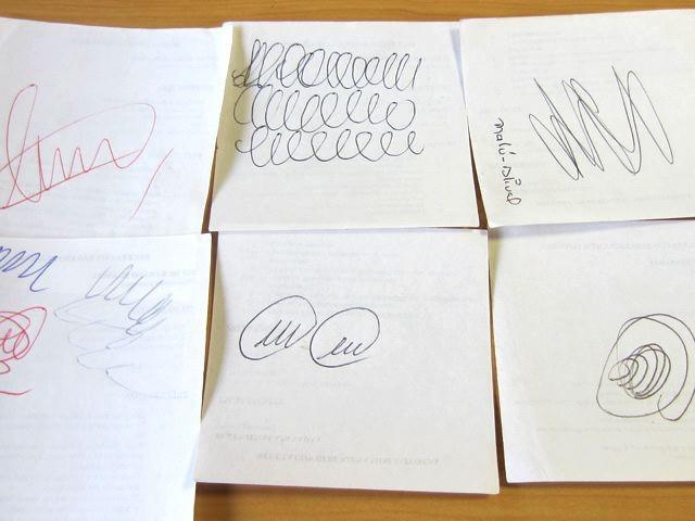 コロンビアの試し書き。似たようなものが並んでいるような、全然違うような、不思議な感じ。