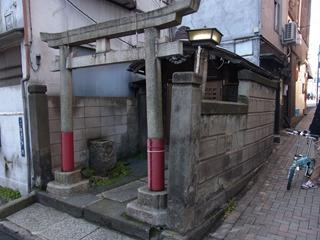 神社の壁に刻印されている旧町名はハードモードなので無し