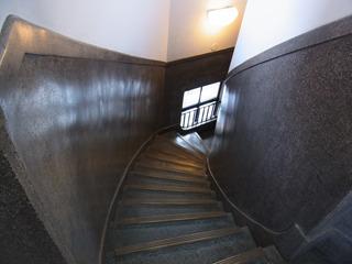 ツルッとした螺旋階段も美しい