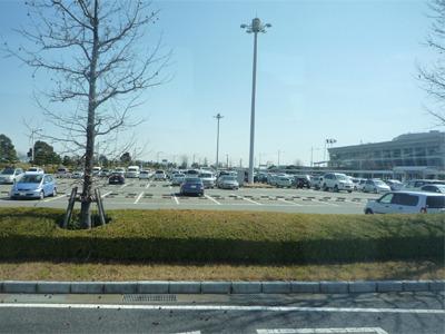 駐車場やターミナルの規模なんか似てる。どこか牧歌的な空気とか。