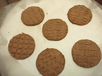 焼いてみたら模様が消滅という事態は避けられた(そういうクッキーも過去に何度か作ったことがあります)