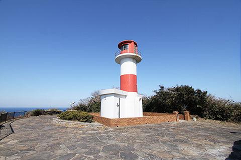 岬の先端には灯台があった。