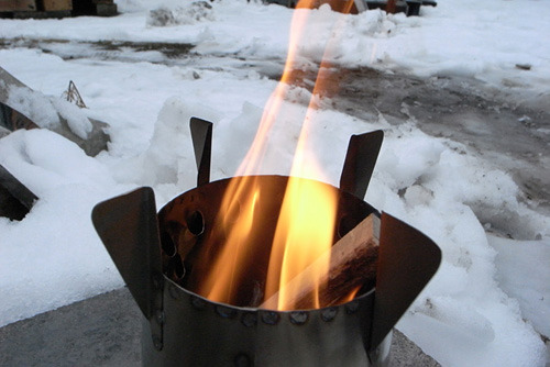 ネイチャーストーブは火を入れた時が一番かっこいいと思うのだ。