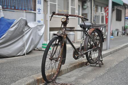 途中で見つけたカッコいい自転車。