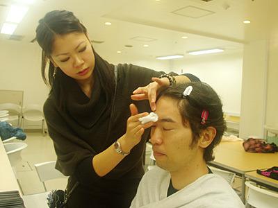 顔を拭いたコットンを「ほら、こんなに汚れている!」と見せられた。坂田さん、ドSだ。