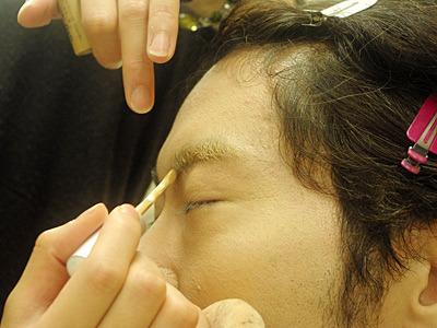 隠しきれない眉毛にイラっとした坂田さんの、「あー、剃り落としたい」というつぶやきが怖かった。