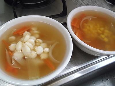 コーンというより見た目は豆スープ。