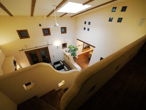 一軒家のモデルハウスなので二階にもいける