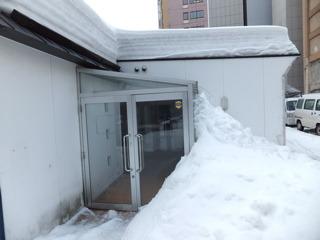玄関先に「玄関フード」というのがある