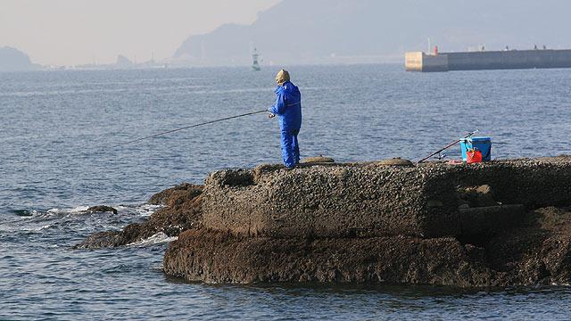 釣り人は、どんな冒険家よりも先回りしてそこにいる。(川口浩探検隊のテレビカメラのように)