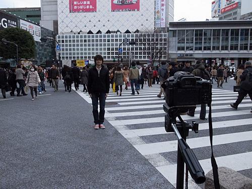 渋谷のスクランブル交差点が赤に変わるまでずっとシャッター開けてた。