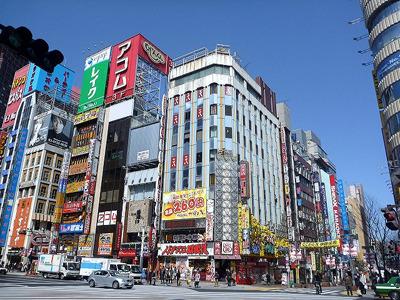 とてもそんなお店があるような雰囲気の街ではないが…。