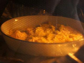 後は120℃のオーブンでじっくり焼けば・・・あの見た目になるのか。