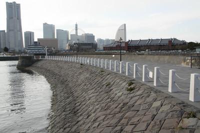 横浜港が開港した頃から存在する突堤なのだ