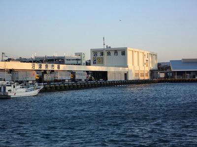 日暮れ直前にようやく沼津港へ到着。