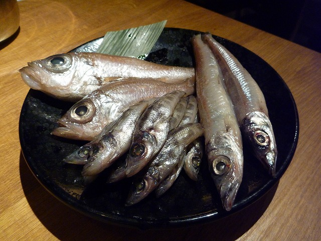 左からデン(オオメハタ)、メヒカリ(アオメエソ)、メギス(ニギス)。いずれも味自体はくせがなくて美味。