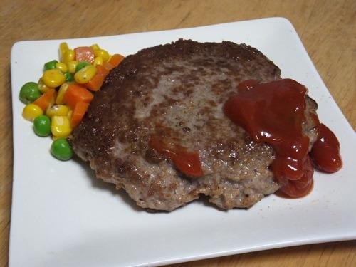こんなそろいもそろった粒が、肉料理に添えられている