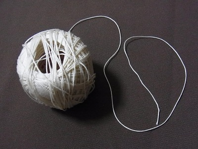 用意したのは、これまたごく普通の糸