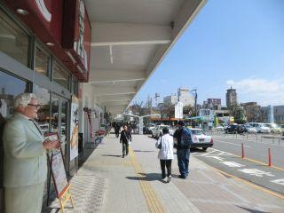 大牟田駅前は普通の駅前。