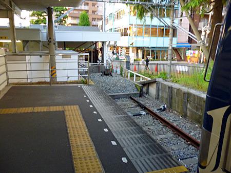終点の先は駅前広場である(オーバーランしたら大変!)