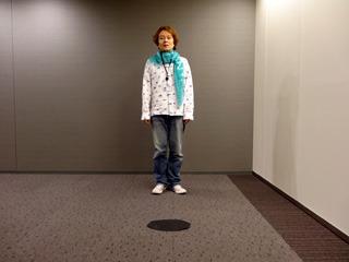 エレベーターホールでも飛ぶ