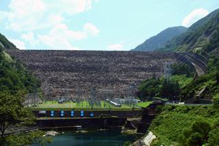 日本ロックフィルダム界のご意見番、御母衣ダム
