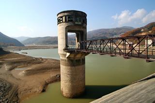 唯一、使っていなかった排水塔が(2006年撮影)